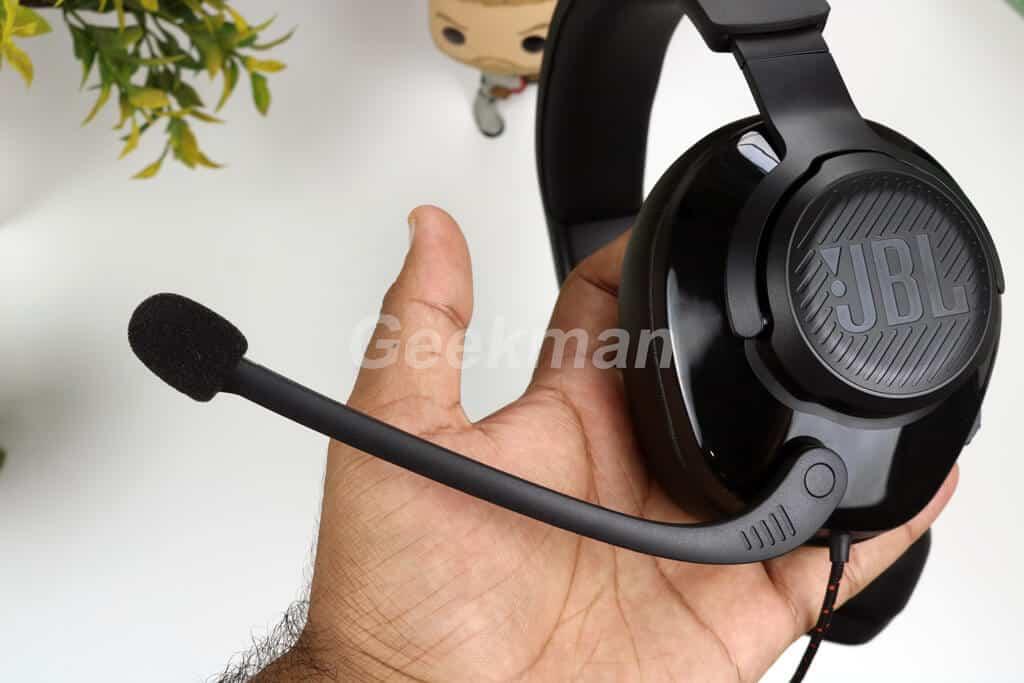 JBL Quantum 200 microphone